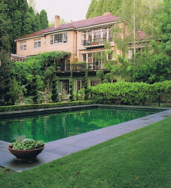 Lovely pool and house in toorak melbourne victoria for Pool designs victoria