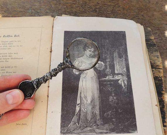 NOSTALGIC LOUPE retro pendant vintage pendant for her por MARIAELA