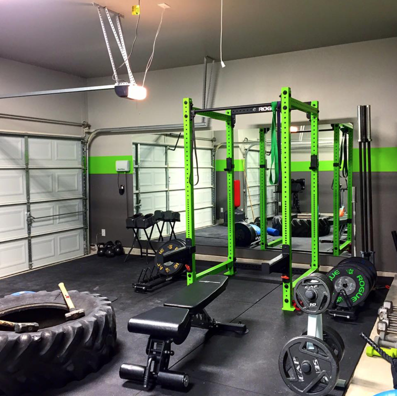 Green squat rack home gym inspiration #homegyms garage gym at