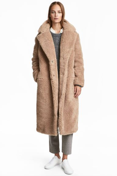 Manteau long en peluche - Beige - FEMME   H M FR 1   outfit ... cb86ad57f93