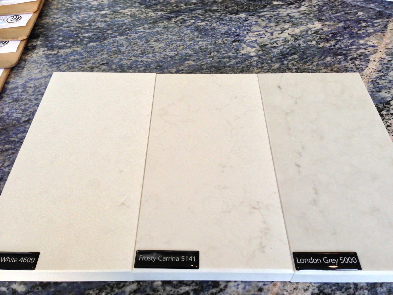 Caesarstone Frosty Carrina | Caesarstone sample in Organic white ...