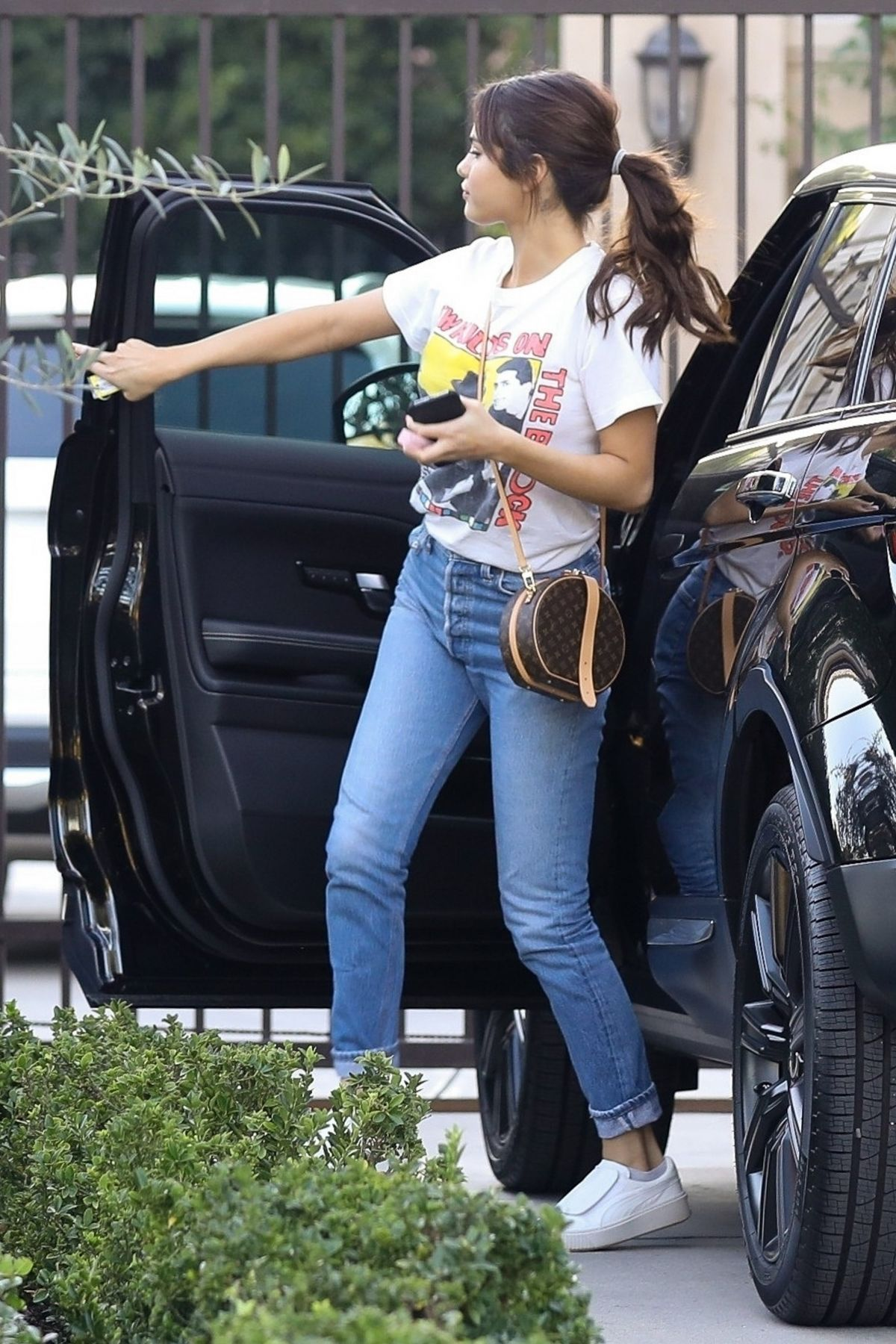 5e1d5a64c Selena Gomez Out in Los Angeles 01 31 2018. Celebrity Fashion and Style