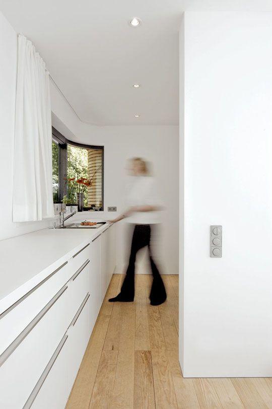 modern house boat//kitchen