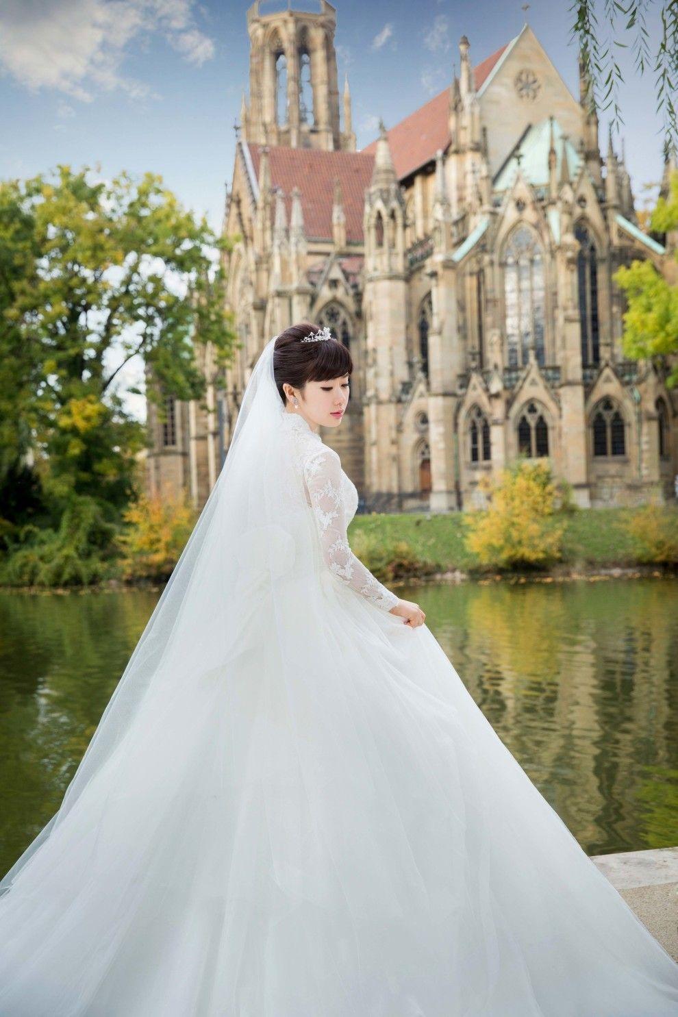 写真 福原愛のウェディングドレス姿が天使すぎる 幸せが伝わる5枚の写真 結婚式 ドレス 写真 結婚式 芸能人 ウェディングドレス