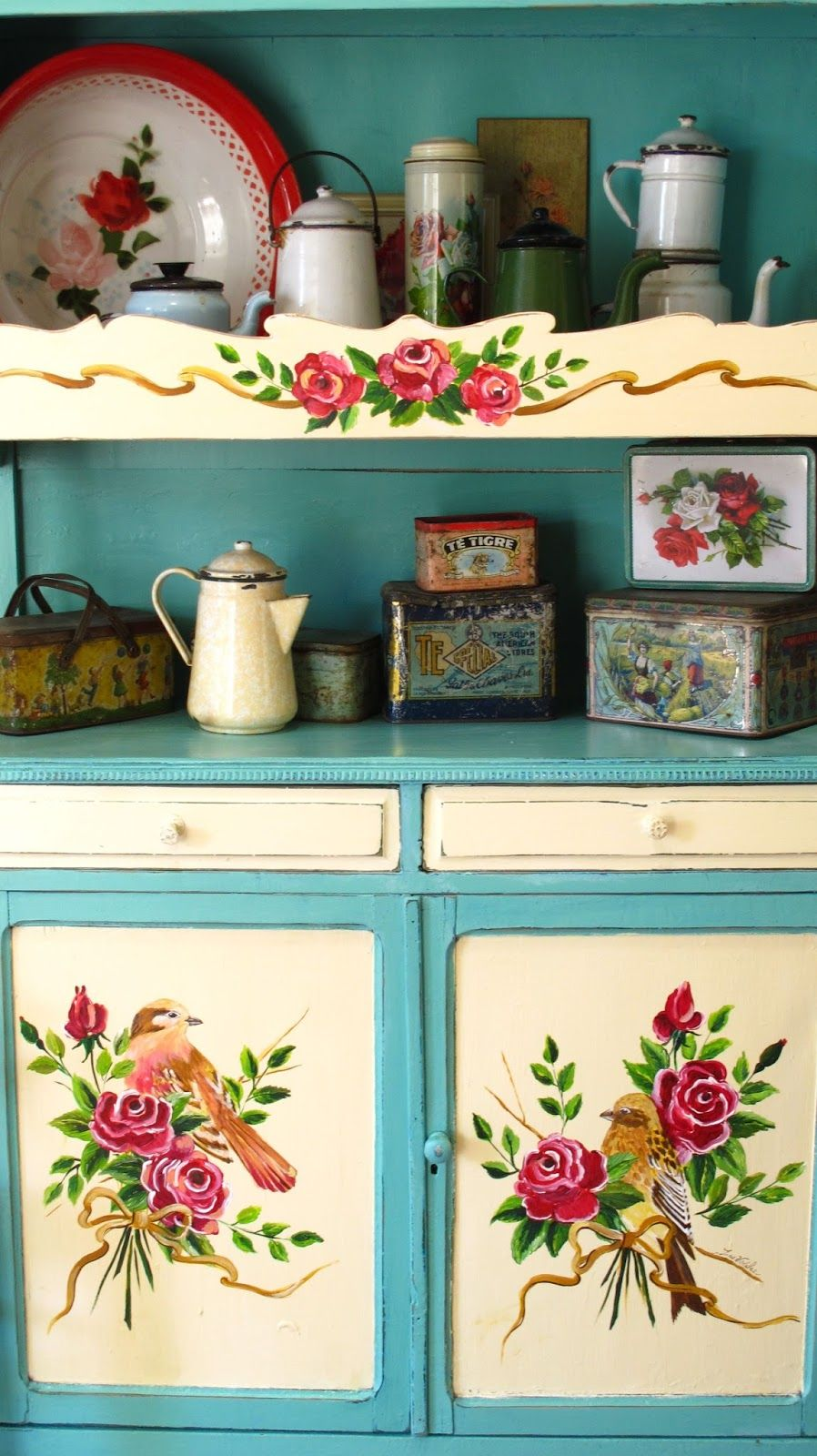 The old tins look English, but the painted flowers don\'t look ...