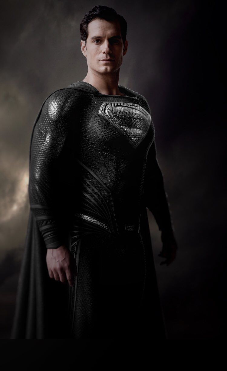 The Black Suit on Cavill in the Snyder Cut