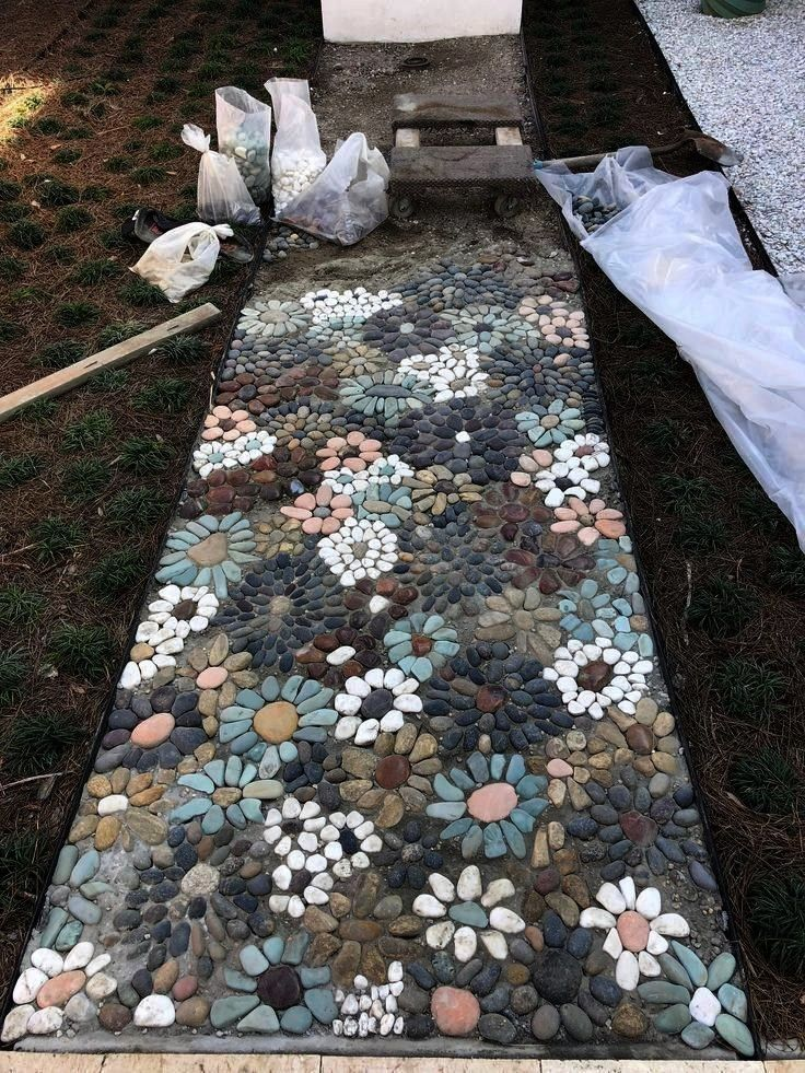 I create a pebble mosaic Prepare the stones and sort them  DIY garden decorationcreateHow do I create a pebble mosaic Prepare the stones and sort them  DIY garden decorat...