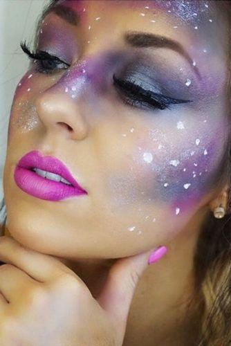21 Galaxy Makeup Looks - Creative Makeup Ideas for Extraordinary Girls #makeupideas