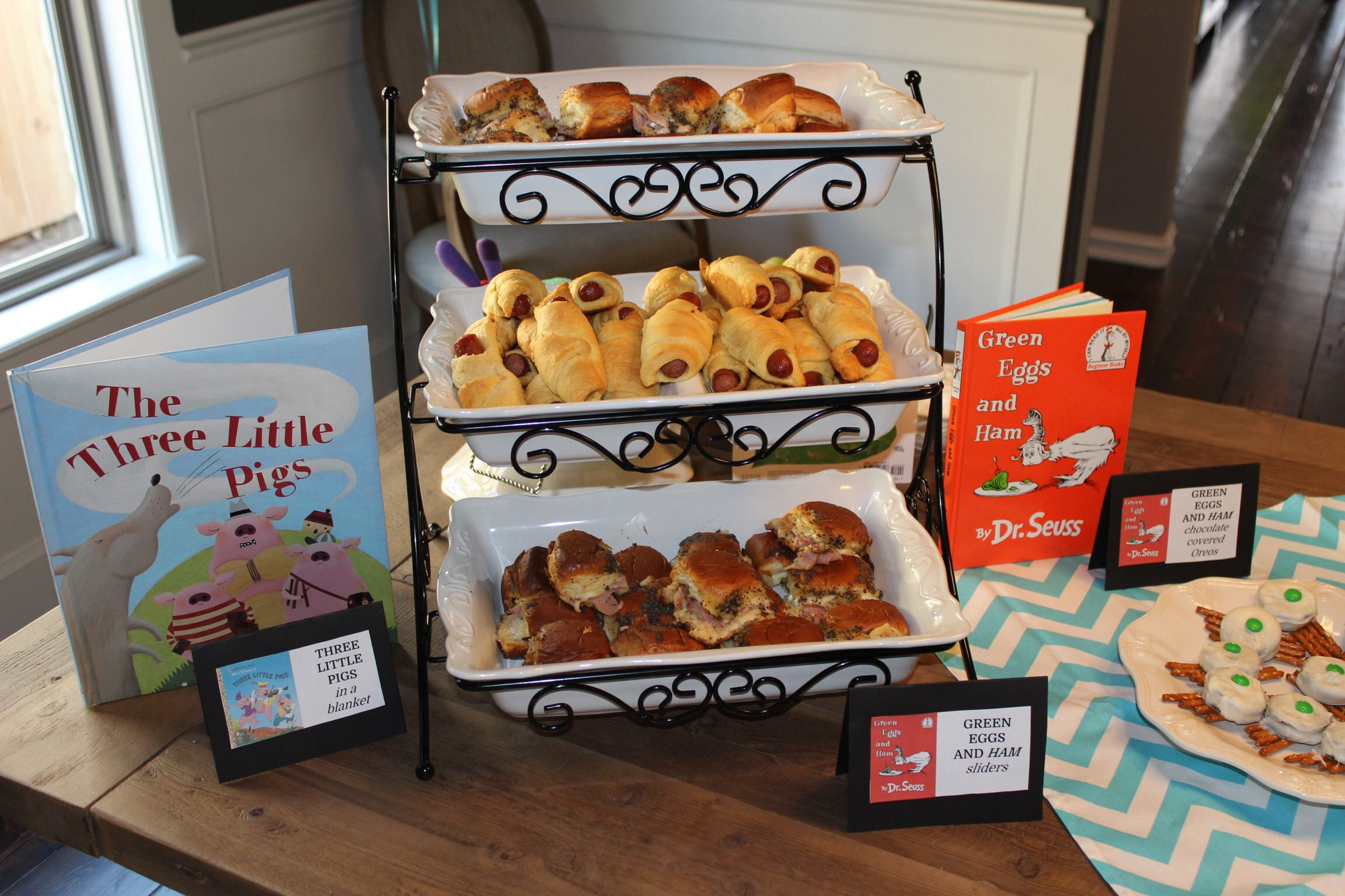 Babyshower Childrens Book Party, Book Theme Food, Three Little Pigs