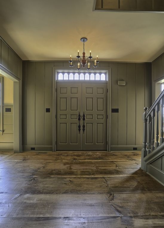 Classic colonial homes interior entry keep it prim for Classic colonial homes