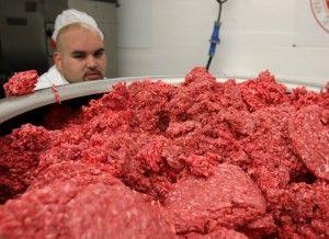 Scandalo americano sulla carne, ma anche gli italiani farebbero bene ad aprire gli occhi