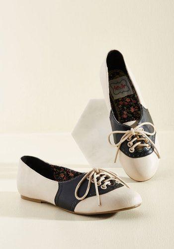 8120fe5447495 Study Buddies Flat in Black Saddle Shoes  59.99 AT vintagedancer.com
