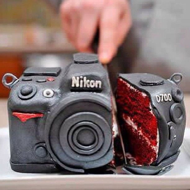 DOUBLE TAP for this awesome camera cake!  What time is it where you are? 10:15 AM here #Padgram