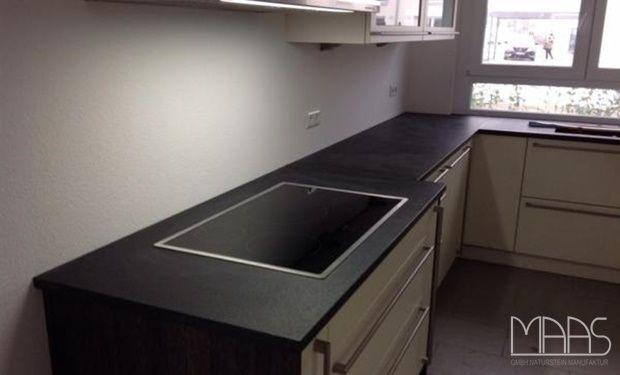 Granit Küchenarbeitsplatten, komplettiert mit moderner Sanitär - arbeitsplatten granit küche