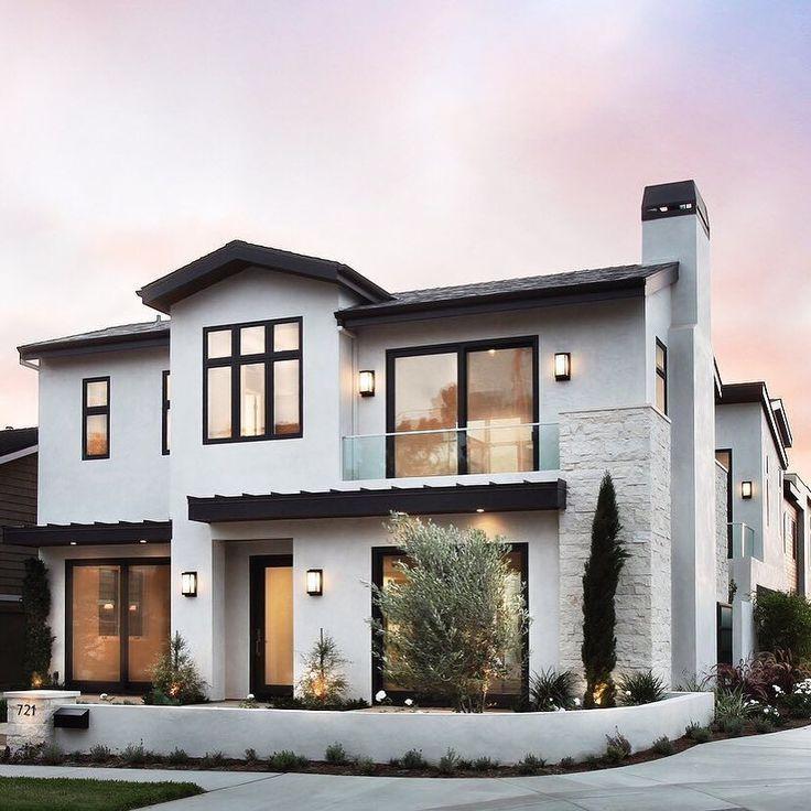 27+ Modern Farmhouse Exterior Design Ideas for Stylish but Simple Look #modernfarmhousestyle