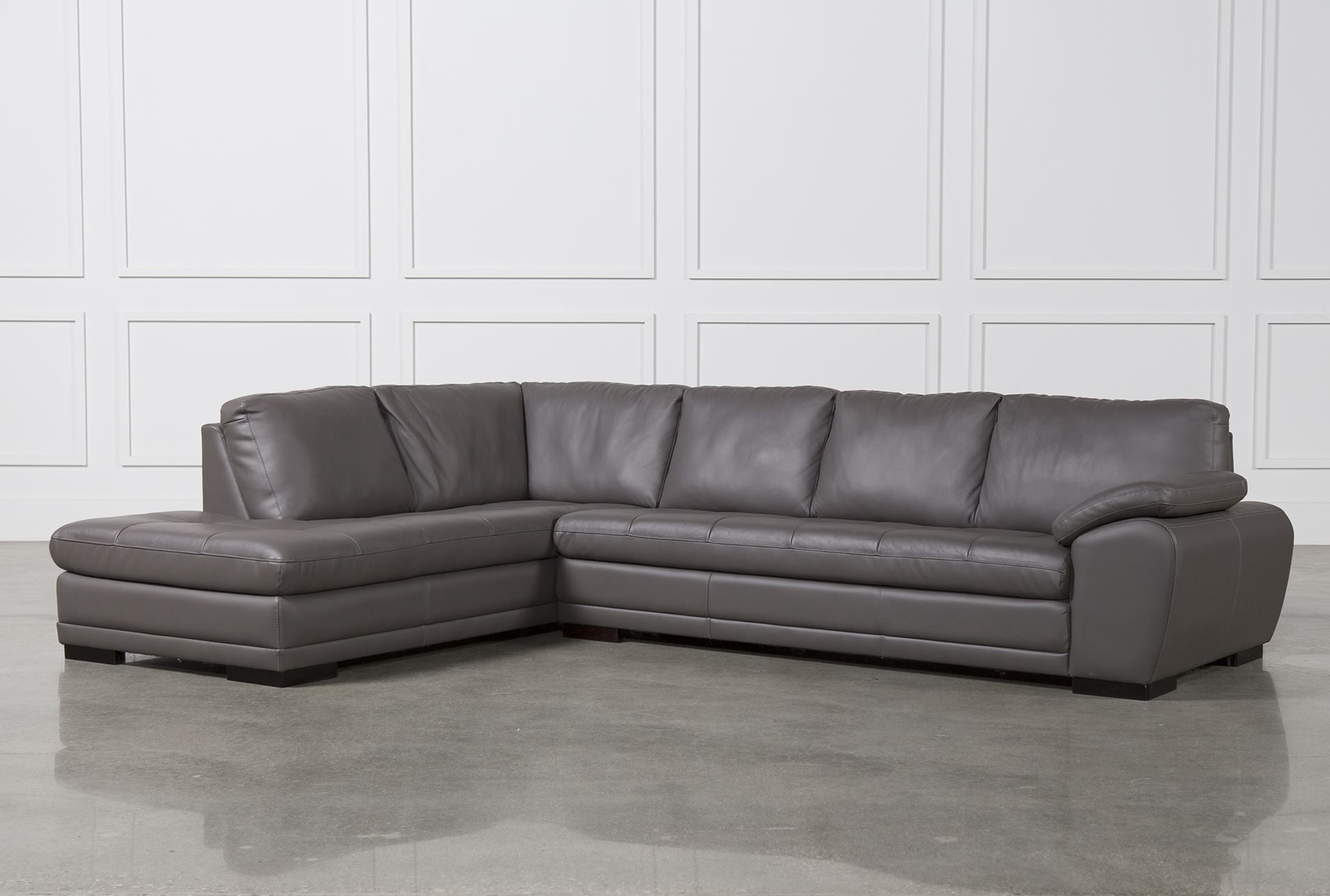 Vaughn 2 Piece Sectional W Laf Chaise