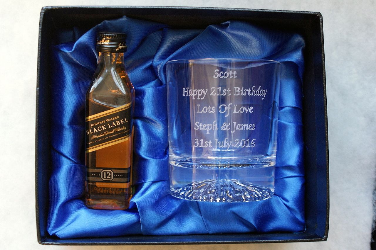 Engraved crystal glass johnnie walker whisky alcohol