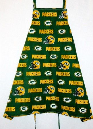 - Green Bay Packers Apron, $13.00 (http://www.delorescreations.com/green-bay-packers-apron/)