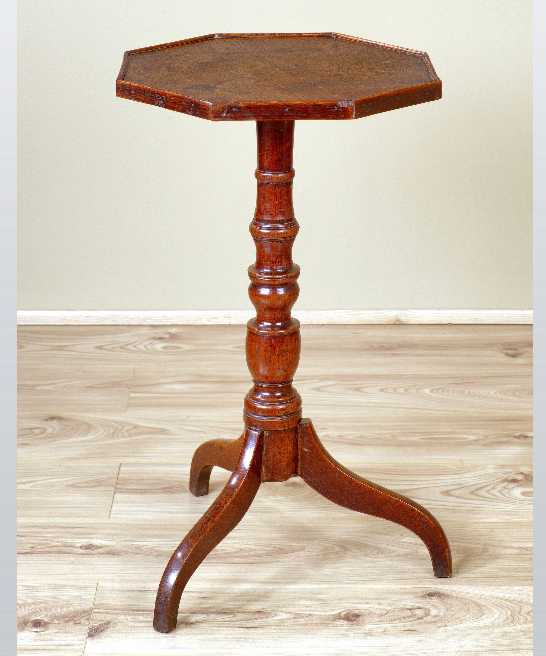 A Good Regency Period Oak Tripod Table The Octagonal Top Above A Baluster Turned Stem And Sta Georgian Furniture Furniture
