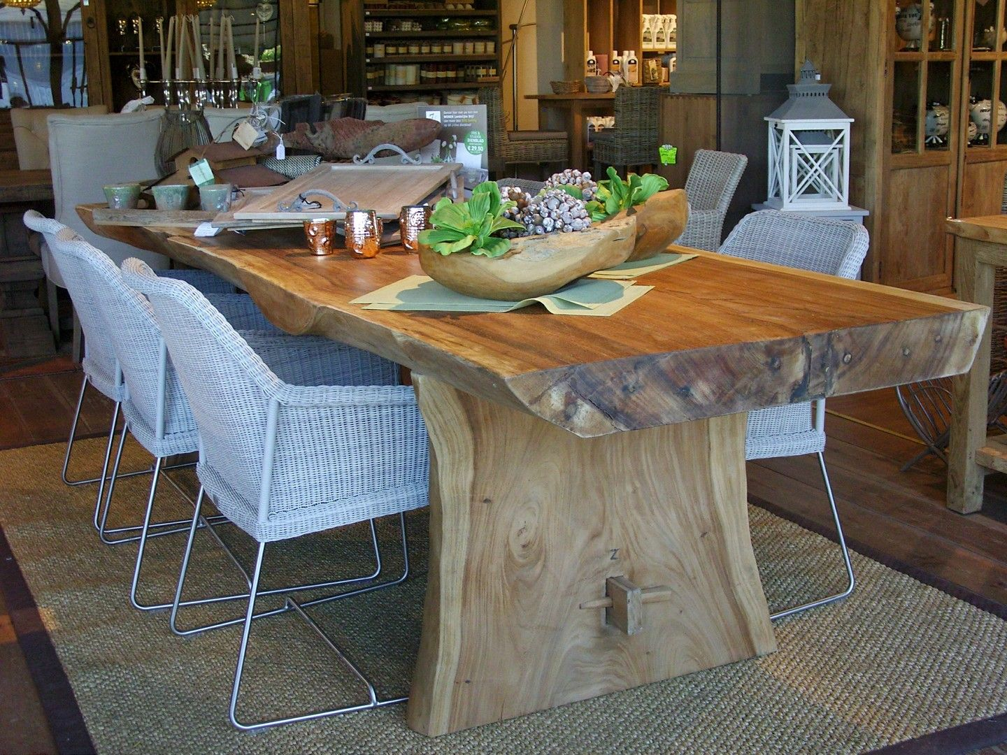 table tronc d 39 arbre en bois exotique chalet pinterest