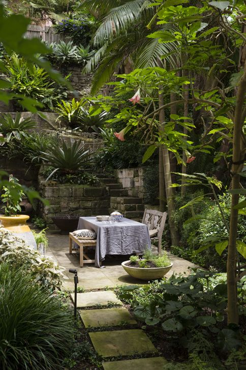 A Haven In The Heart Of The City Tropical Garden Design Tropical Landscaping Beautiful Gardens