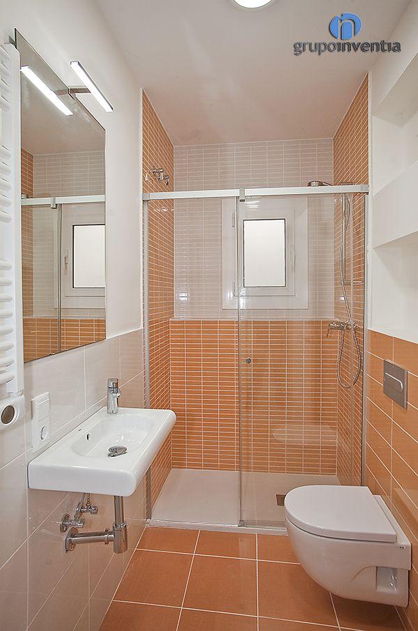 Para el cuarto de baño infantil se utilizó un #alicatado muy ...