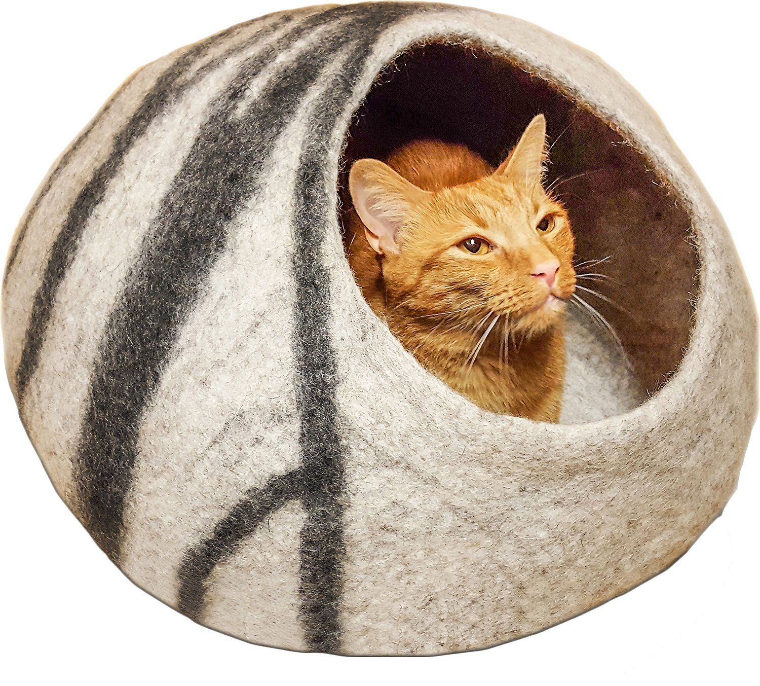 Give your cat the gift of premium comfort with the Meowfia