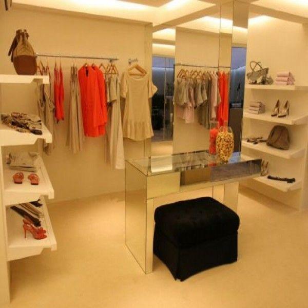 5 modelos para decorar sua loja de roupas 5 decoraç u00e3o loja pequena Loja de roupa, Lojas de