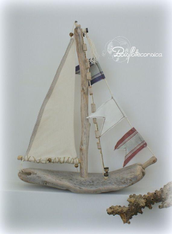 bateau en bois flott pi ce unique driftwood bois flotte corsica driftwood beach. Black Bedroom Furniture Sets. Home Design Ideas