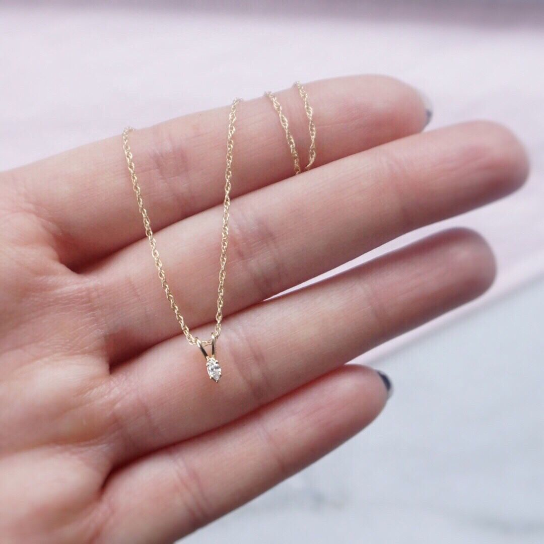 Natural upcycled minimalist fine gold necklace