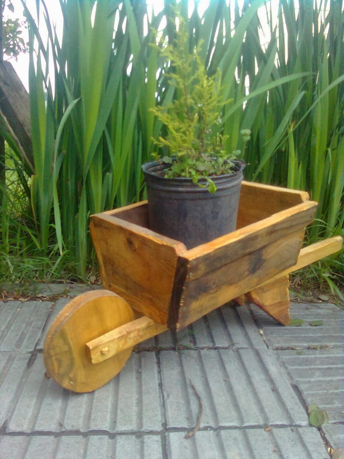 Pros y contras de las jardineras y los maceteros de madera - Macetas de exterior ...