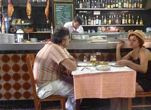 13 Maneras De Ser La Mejor Persona En Un Restaurante En Galicia Mejor Persona Restaurantes Personas