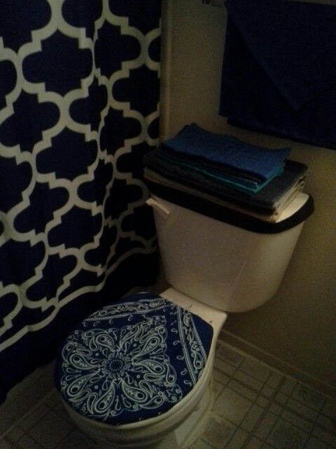 Surprising Yup I Made My Toilet Seat Cover Outta A Bandana Tru 2 Gmtry Best Dining Table And Chair Ideas Images Gmtryco