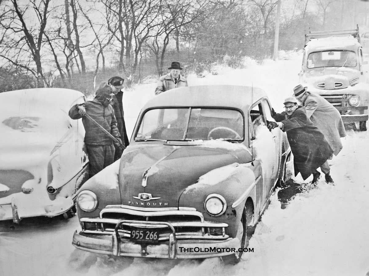 Big City Snow Storms and Old School Methods | The Old Motor