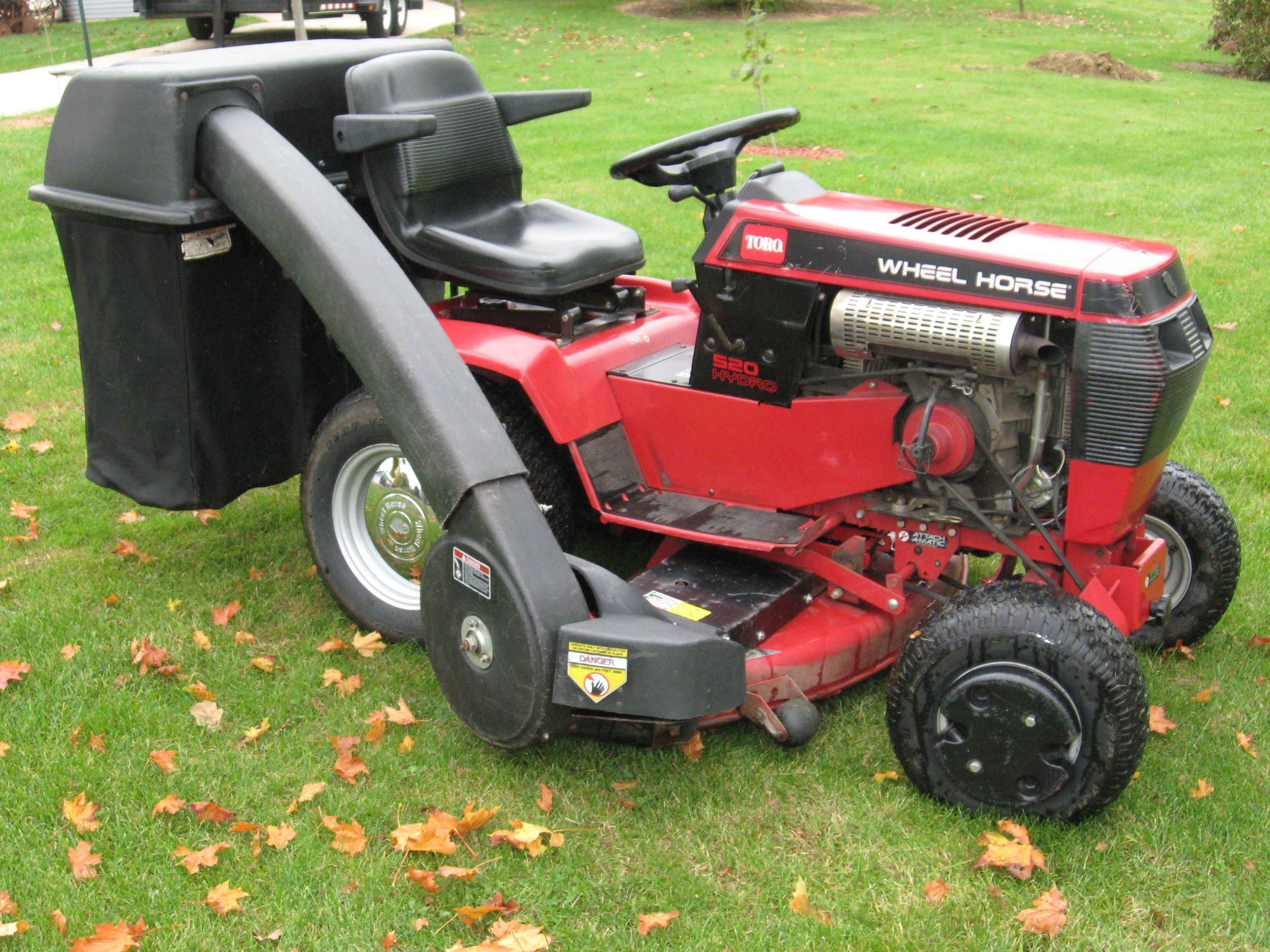 Wheel Horse 520 With Bagger Great Outfit Lawn Tractor Garden Tractor Lawn Mower