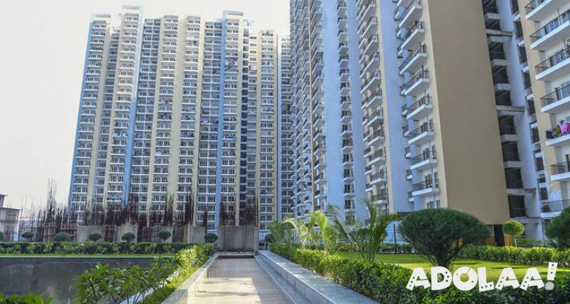 Panchsheel Pinnacle Offers 3 Bhk Ready To Move Apartments At Noida Moving Apartment High Rise Apartments Apartment