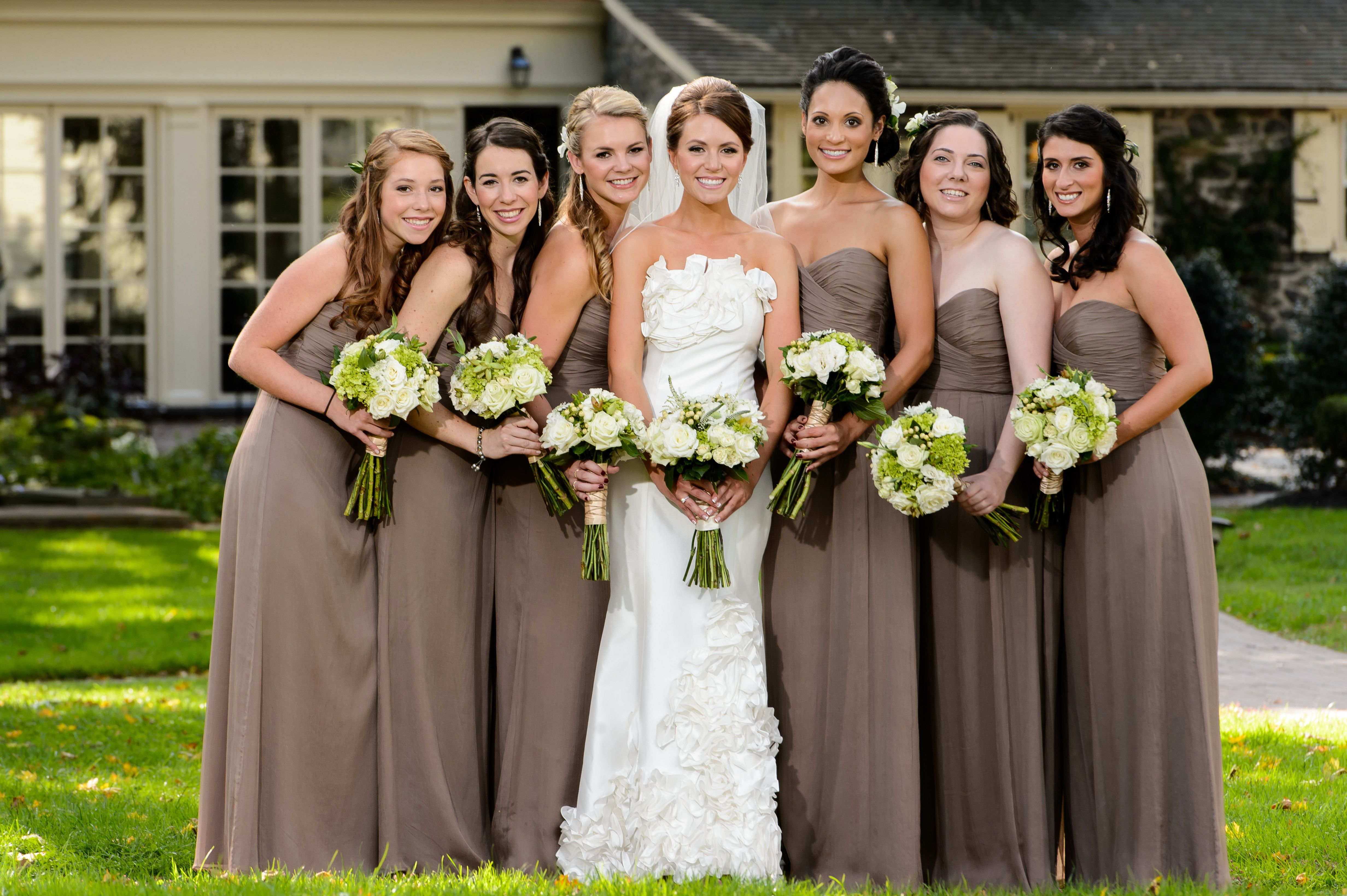 Rustic chic wedding sweetwater farm susan stripling photography rustic chic wedding sweetwater farm susan stripling photography amsale truffle bridesmaid dresses ombrellifo Image collections