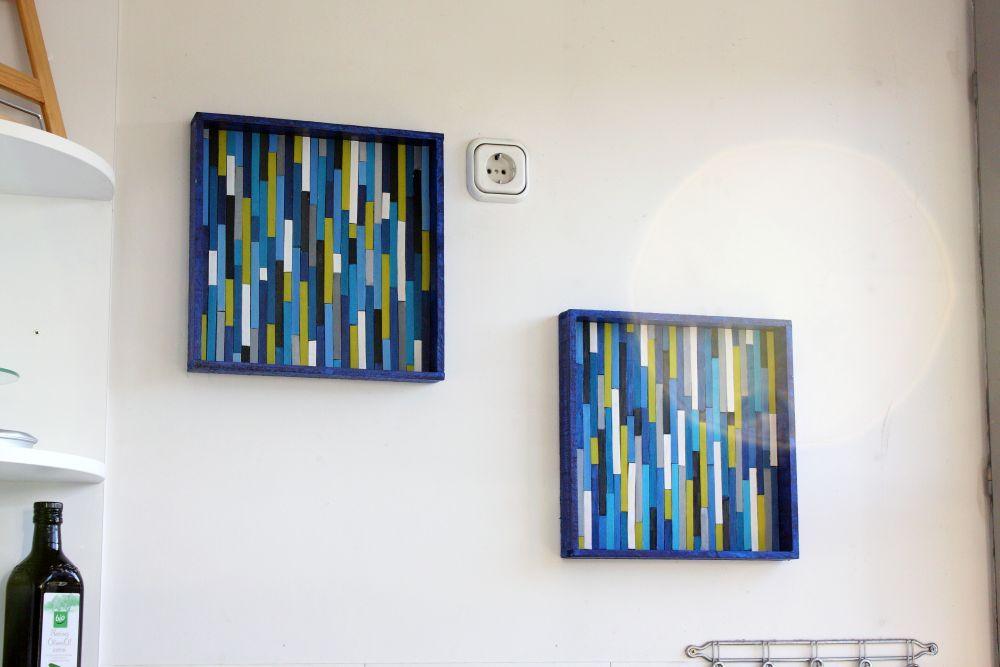 Einfache Wanddeko für die Küche \u2013 bunte Holzstäbchen im Holzrahmen