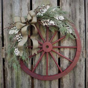 Photo of Wagon Wheel Farmhouse Style Wreath Ideas 40