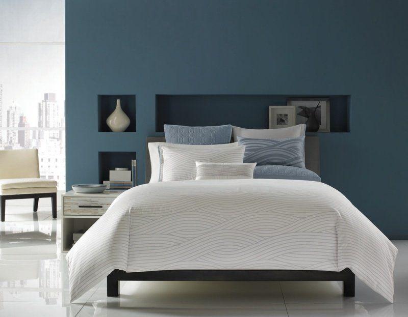 Charmant Couleur Peinture Chambre Bleue Et Niches De Rangement En Bleu Foncé Conception Etonnante