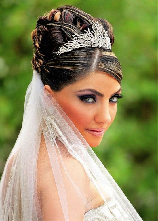 Wedding Hairstyles With Tiara Ideas Long Curly Veil