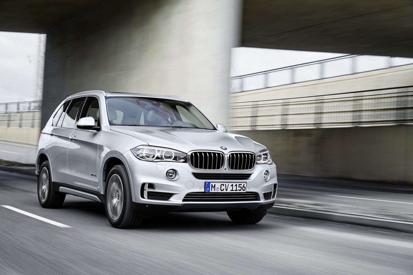 Bmw S 4 Cylinder X5 Xdrive40e Plug In Hybrid Bmw X5 Bmw Luxury Car Brands