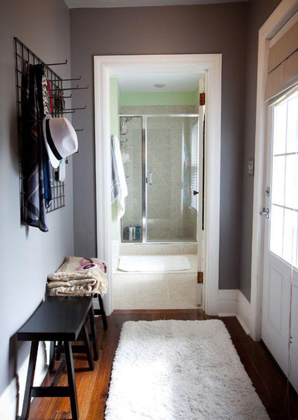 am nagement d 39 une entr e moderne avec banc et portemanteau. Black Bedroom Furniture Sets. Home Design Ideas