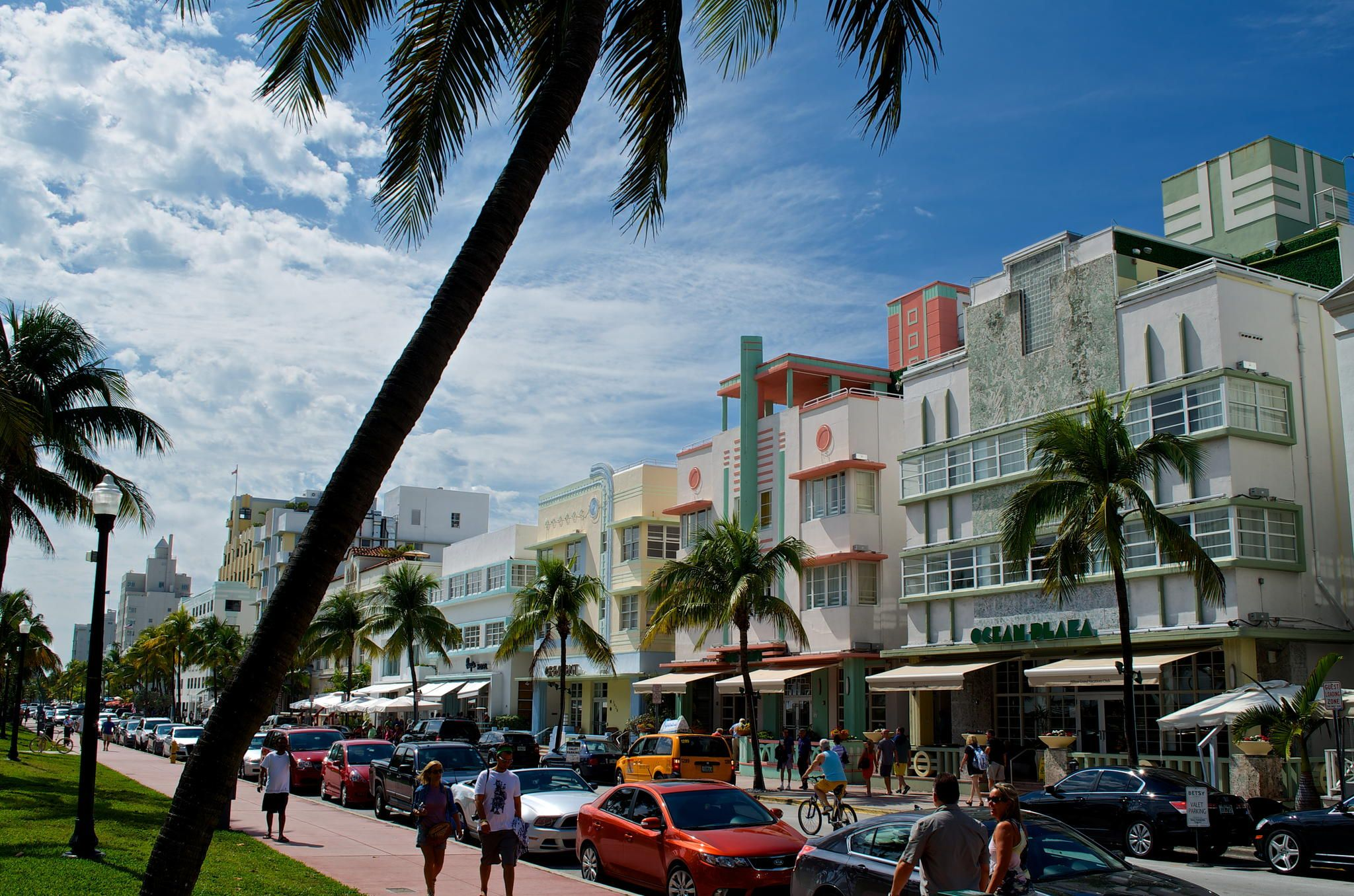 Ocean Drive Art Deco by Tim Rust on 500px