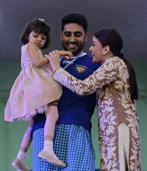 Which Designer Did Aaradhya Bachchan Wear For Her Dazzling