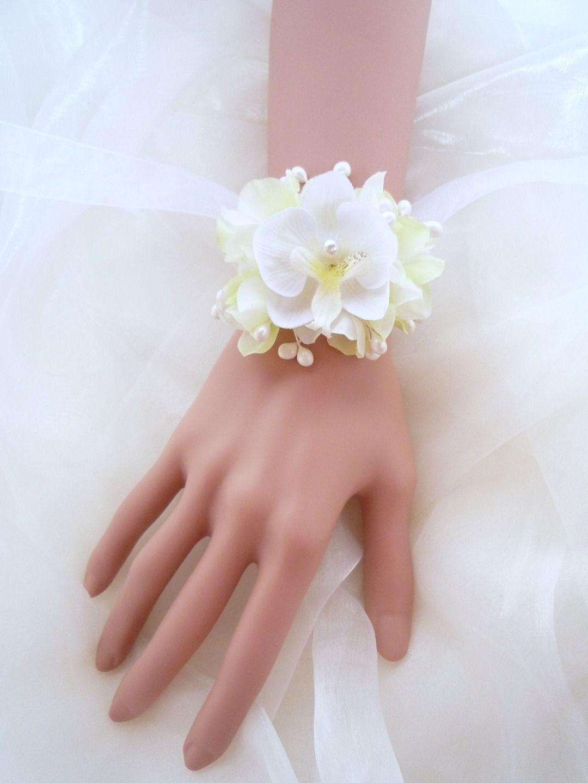 bracelet ou collier floral orchidée blanche pour mariage ou