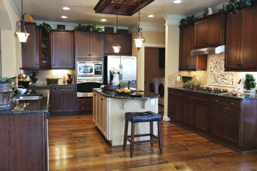 150 u shape kitchen layout ideas for 2018 black for Black kitchen cabinets with dark floors