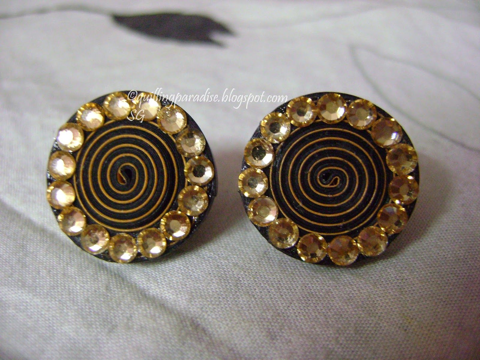 Quilling Paradise : Paper Earring Studblack And Yellow
