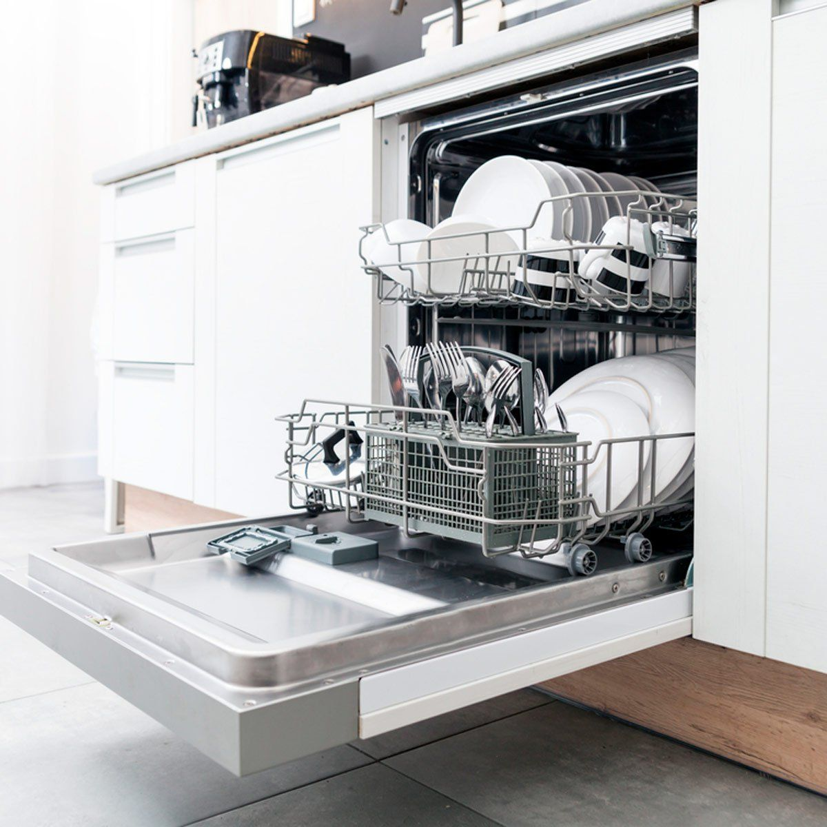 You Should Always Add This One Ingredient To Your Dishwasher Cleaning Dishes Dishwasher Machine Washing Dishes