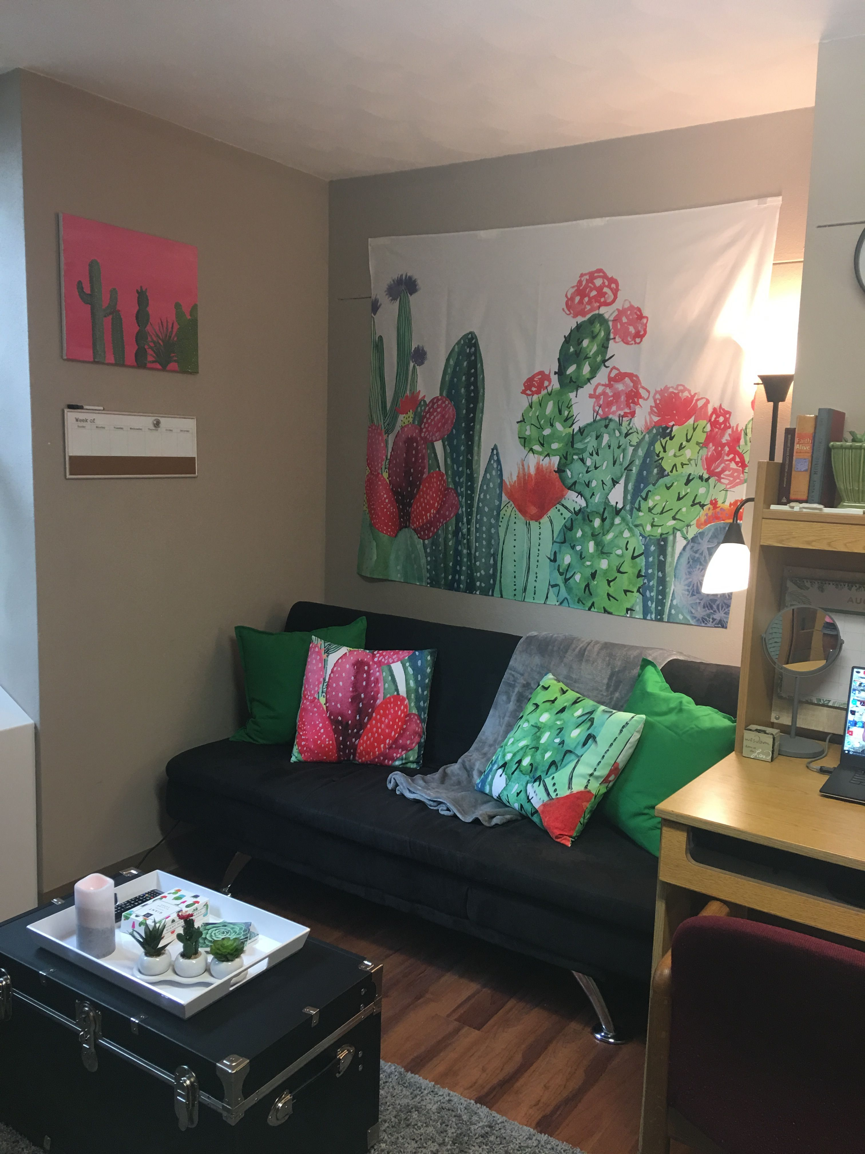 Cactus Themed Dorm Room! :) | Dorm Room in 2019 | Living ...